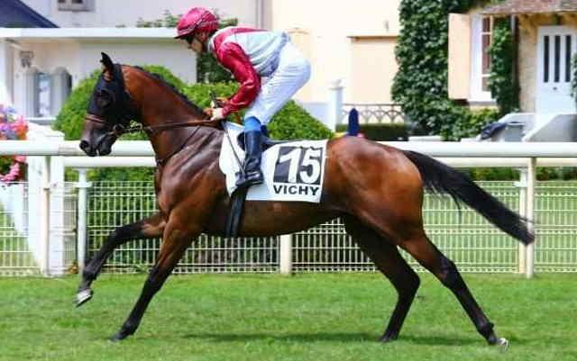 GRAND TRIANON cheval