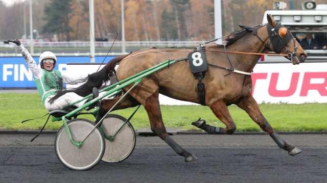 DOUX PARFUM cheval