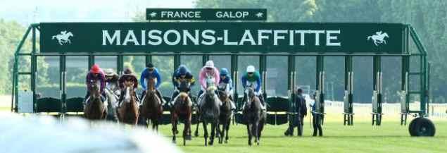 Course sur l'hippodrome de Maisons-Laffitte