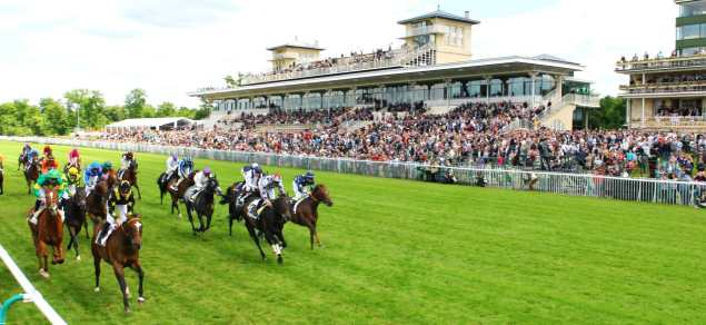 Course sur l'hippodrome de Chantilly